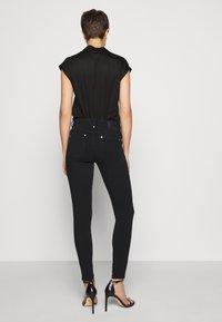DRYKORN - PULL - Skinny džíny - schwarz - 2