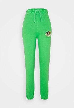 WOODLAND VINTAGE ANGELS PATCH FOREST - Pantaloni sportivi - green