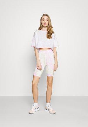 ONLVERA TIE DYE SET - Camiseta estampada - white