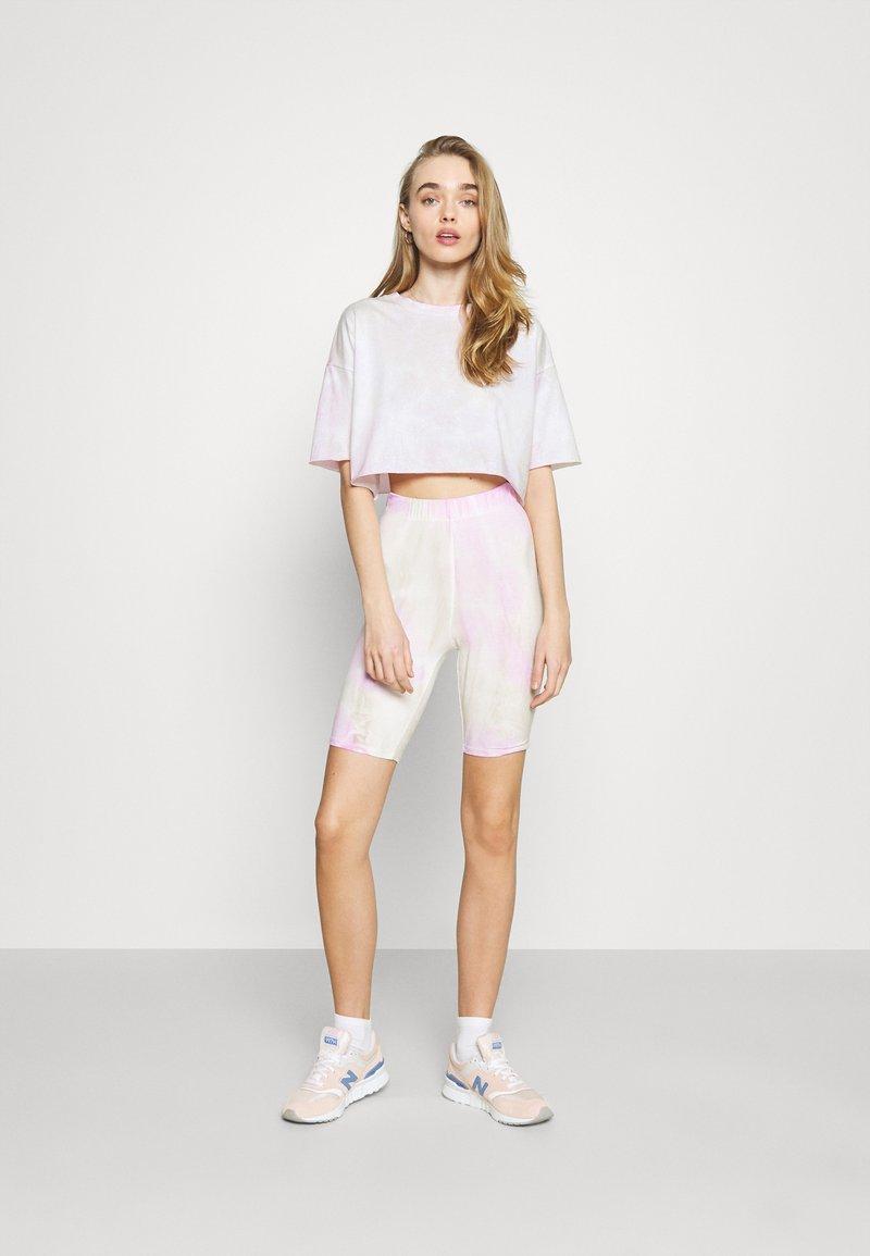 ONLY - ONLVERA TIE DYE SET - Print T-shirt - white
