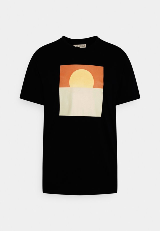 GRAPHIC SUNSET - Print T-shirt - blue