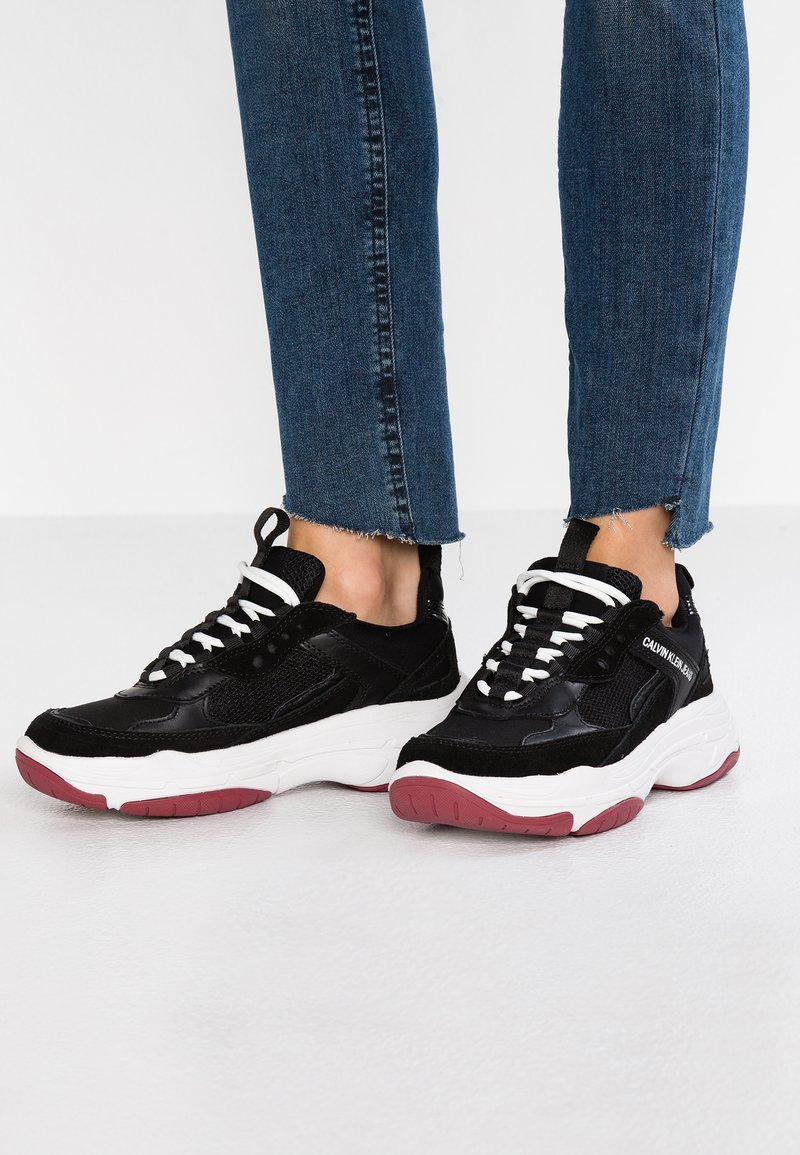 Calvin Klein Jeans - MAYA - Matalavartiset tennarit - black