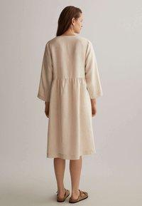 OYSHO - Denní šaty - beige - 1