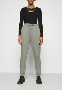 Nly by Nelly - PERFECT PANTS - Tracksuit bottoms - gray - 0