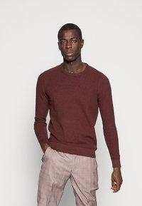 Pier One - Stickad tröja - mottled bordeaux - 0