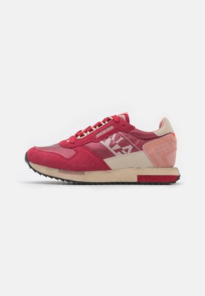 VICKY - Sneakersy niskie - grenadine red