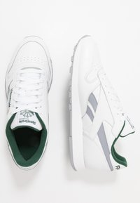 Reebok Classic - Sneakers - white/collegiate shadow/utility green - 1