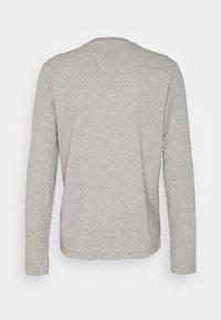 Michael Kors - PEACHED LONGSLEEVE - Pyjama top - heather grey - 1