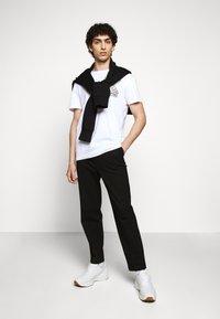 Raeburn - ETHOS GRAPHIC  - T-shirt con stampa - white - 1