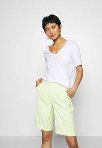 Rich & Royal - HEAVY - Basic T-shirt - white - 0