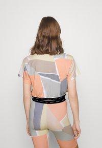 Obey Clothing - GLEN ASPEN TOP - Print T-shirt - peach multi - 2