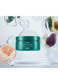 Aveda - BOTANICAL REPAIR™ INTENSIVE STRENGTHENING MASQUE RICH - Haarmasker - - - 3