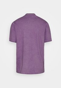 Russell Athletic Eagle R - NELSON - Print T-shirt - violet - 7