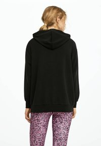 OYSHO - KAPUZENJACKE AUS WEICHEM STOFF 31791222 - Zip-up hoodie - black - 2