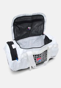 The North Face - BASE CAMP DUFFEL IC - Sports bag - white/black - 7