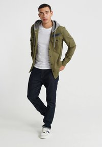 Superdry - UTILITY  - Summer jacket - army green - 1