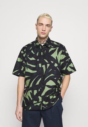 ONSENOAH LIFE - Košile - hedge green