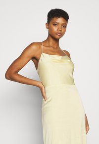 Nly by Nelly - WATERFALL MERMAID GOWN - Robe de cocktail - light yellow - 3