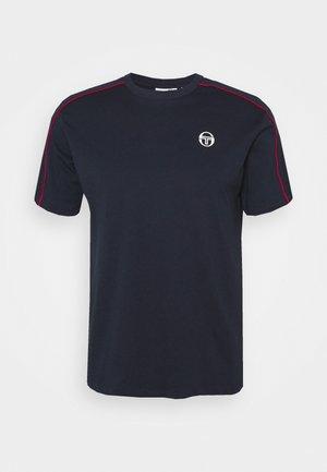 AMARILLIS  - Camiseta estampada - night sky