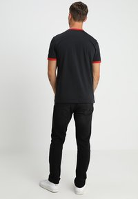 Lyle & Scott - RINGER - T-shirt - bas - true black - 2
