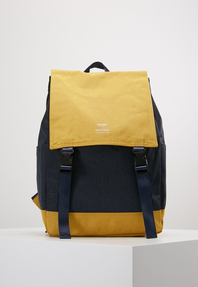 SLIM FLAP BACKPACK UNISEX - Reppu - navy/yellow