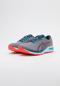 ASICS - GEL CUMULUS 22 - Neutral running shoes - piedmont grey/magnetic blue - 1