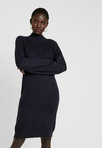 YAS Tall - YASBRENTRICE DRESS - Gebreide jurk - navy blazer - 0
