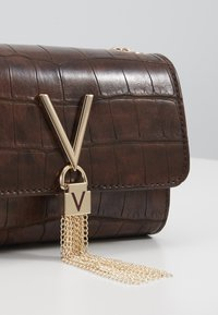 Valentino by Mario Valentino - AUDREY - Across body bag - brown - 5