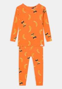 GAP - TODDLER BANANA UNISEX  - Pyjama - orange peel - 0