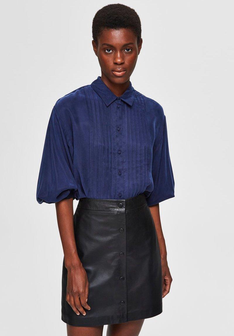 Selected Femme - Button-down blouse - maritime blue