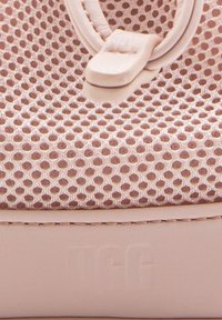UGG - Across body bag - quartz - 4
