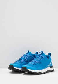 The North Face - W ACTIVIST FUTURELIGHT - Hikingsko - clear lake blue/black - 2