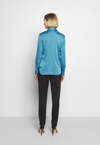 Strenesse - BLOUSE - Button-down blouse - blue - 2