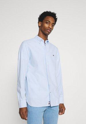 CLASSIC OXFORD - Camisa elegante - calm blue