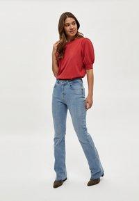 Minus - LIVA - Print T-shirt - berry red - 1