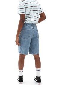 Vans - MN LOOSE DENIM SHORT - Denim shorts - stone wash - 1