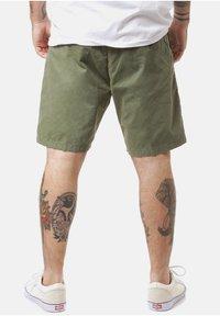 Carhartt WIP - Shorts - dollar green - 1