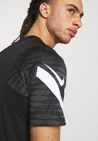Nike Performance - STRIKE  - T-shirt sportiva - black/anthracite/white - 3