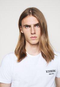 Iceberg - Print T-shirt - bianco ottico - 6