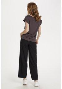 Saint Tropez - ADELIA - Basic T-shirt - huckleberry - 3