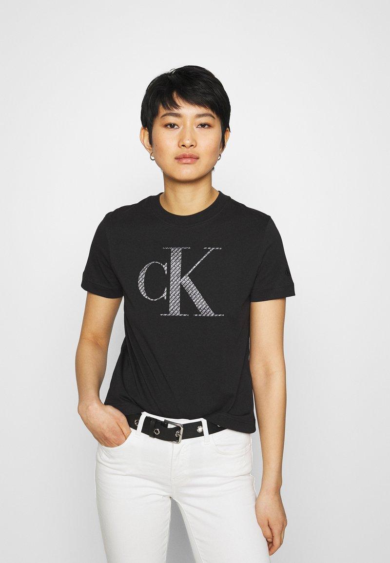 Calvin Klein Jeans - BONDED FILLED TEE - Camiseta estampada - black