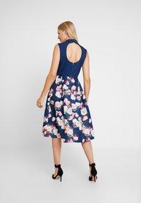 Chi Chi London - CYDNE DRESS - Sukienka koktajlowa - navy - 3