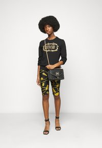 Versace Jeans Couture - LADY LIGHT - Mikina - black/gold - 1