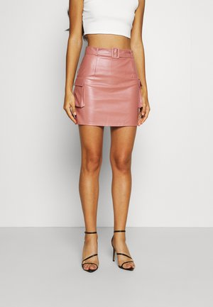 BELTED POCKET DETAIL MINI SKIRT - Mini skirt - pink