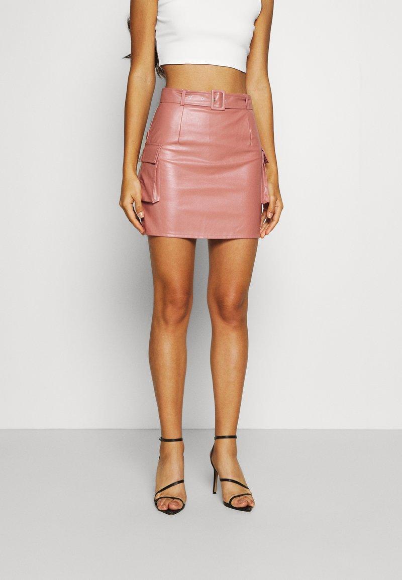 Missguided - BELTED POCKET DETAIL MINI SKIRT - Mini skirt - pink
