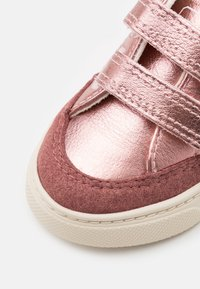Veja - SMALL V-12  - Sneakers laag - nacre rose/fluo - 5