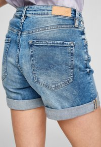 Q/S designed by - Denim shorts - medium blue - 4