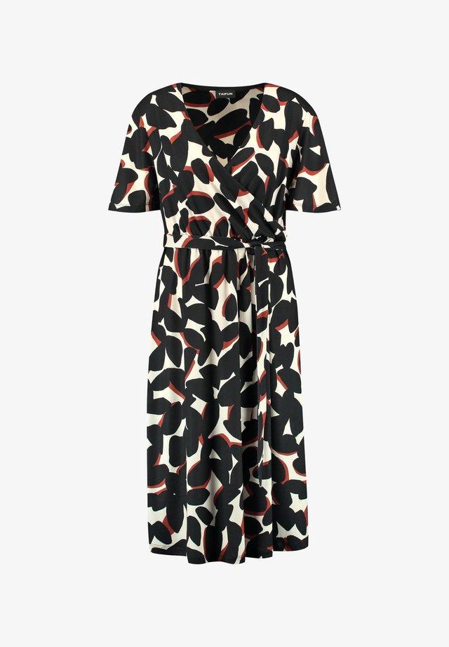 MIT WICKEL-EFFEKT - Robe chemise - almond gemustert
