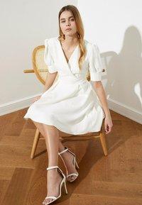 Trendyol - Day dress - cream - 4