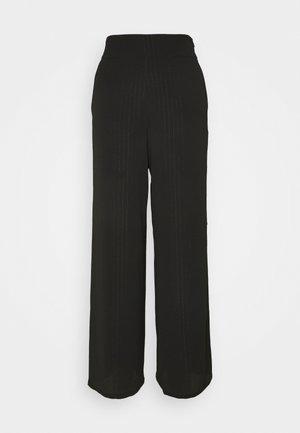 FIESTER  - Pantalon classique - black